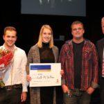 v.l.n.r. Bas Hazekamp (voorzitter), Mieke Meijerink (secrataris), Ramon Soer (Penningmeester) en Chery Wortelboer (directievoorzitter Rabobank)